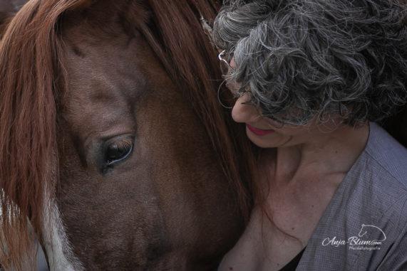 Pferdefotografie nach Gewitter im Freien